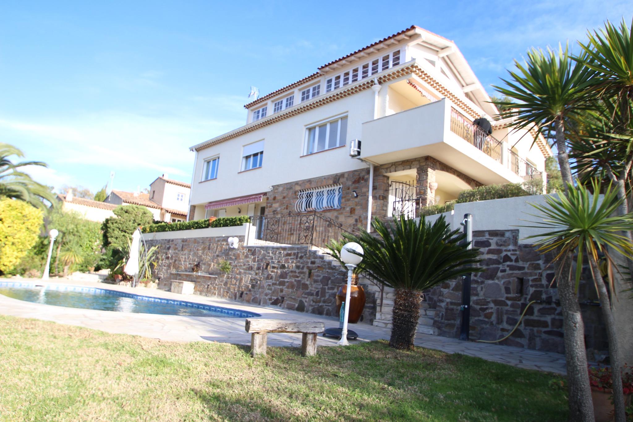 Vente villa traditionnelle 190m for Villa traditionnelle